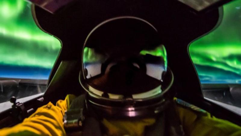 Пилот самолета-разведчика U-2 поделился снимками северного сияния сделанными с высоты 21 км