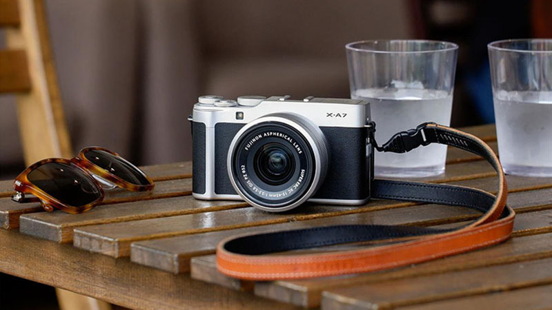 Fujifilm X-A7 – новая беззеркальная камера начального уровня с ценой 700 долларов
